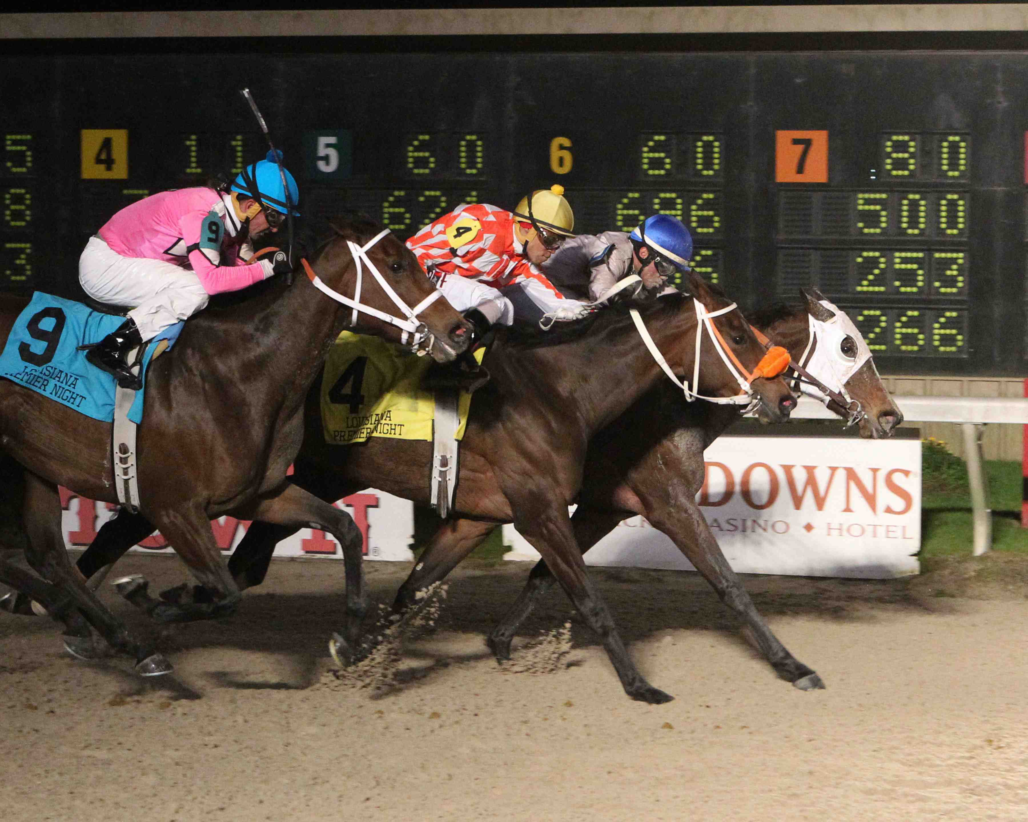 FOREST LAKE - La Bred Premier Night Distaff Stake - 02-06-16 - R06 - DED - Finish