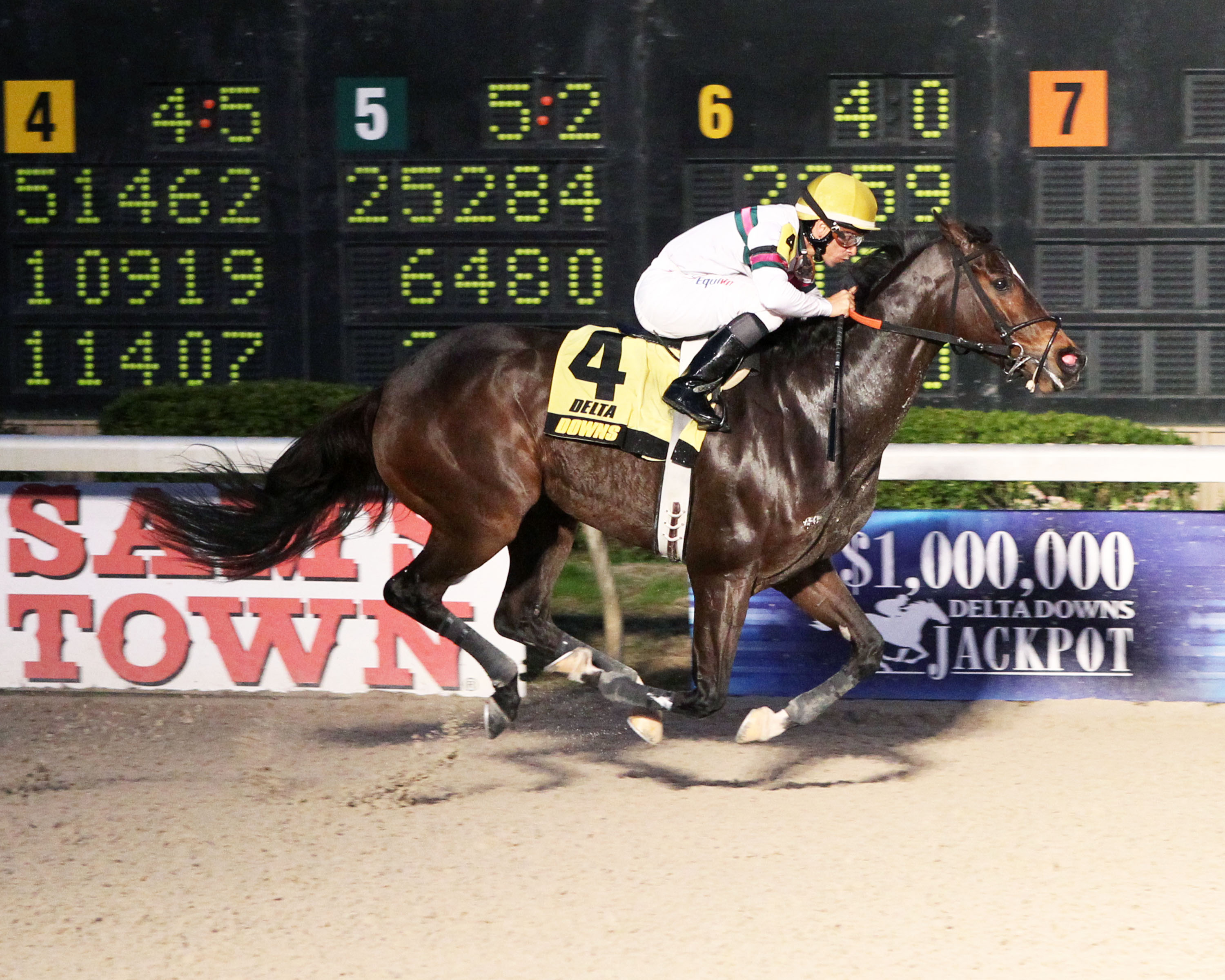 SUNBEAN - The 12th running of the Delta Mile - 11-22-14 - R08 - DED - Finish